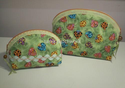 Conjunto necessaires Joaninha ( o outro lado ) by tania patchwork
