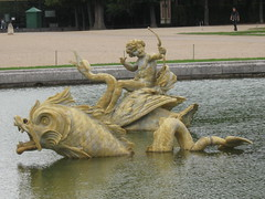 2011-3-france-versailles-112-fontaine