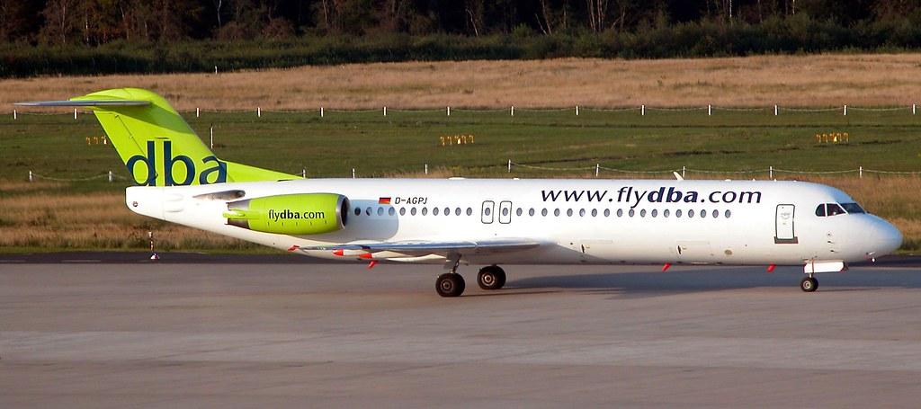 Vorübergehend betrieb Air Berlin auf innerdeustchen Strecken und City-Shuttle-Zielen auch Fokker 100, die von Germania-Crews operiert wurden.  Foto: Christian Maskos