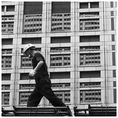 Stefan Hchst (It's Stefan) Tags: road urban blackandwhite bw blancoynegro monochrome japan architecture tokyo site noiretblanc streetlife roppongihills biancoenero constructionworker    siyahvebeyaz roppongihiruzu schwazweis  stefanhchst
