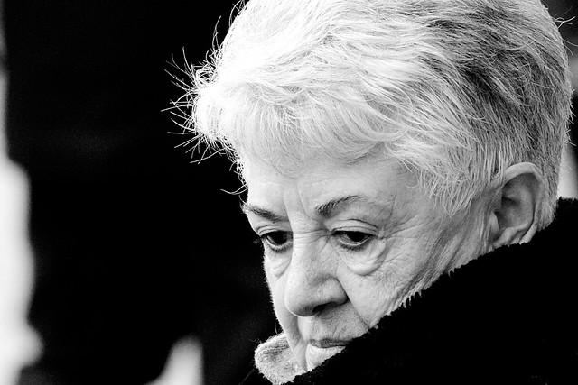 Un visage dramatiquement intense - Paris Champs Elysées