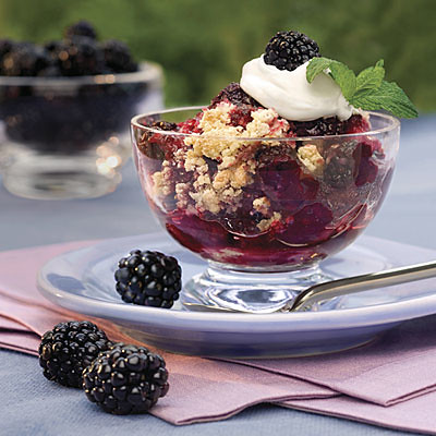 easy-blackberry-cobbler-l