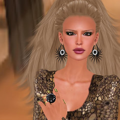 Finesmith Noir_003 (Xenobia Foxclaw) Tags: slfashion secondlifefashion noircollection finesmithjewelry yulafinesmith finesmithdesigns