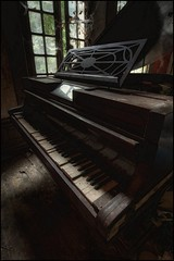 Urbex Gold. (Romany WG) Tags: urban france gold decay exploring piano grand pr chateau urbex ronisch