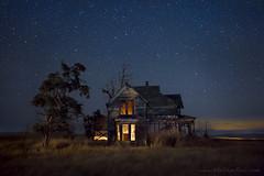 Past Lives (Ben Canales) Tags: longexposure sky house abandoned home night farmhouse stars star washington farm wa homestead starry landscapeastrophotography bencanales thestartrailcom