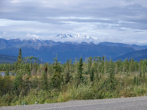 100_0247-Along Alaska Hwy between Kluane Lake and Alaska Border