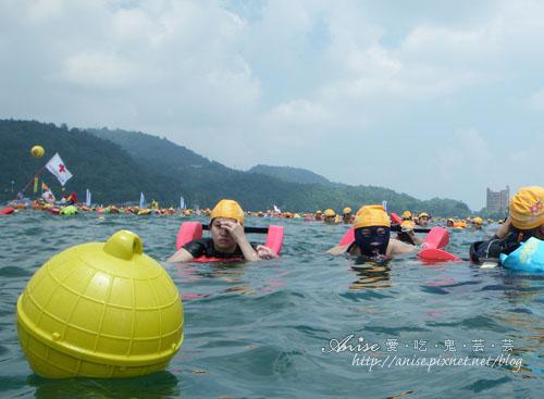 2011泳渡日月潭036.jpg