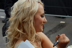 070711 | Evanna Lynch (eleanorbate) Tags: london movie harrypotter trafalgarsquare premiere premier lunalovegood evannalynch deathlyhallows harrypotterandthedeathlyhallows