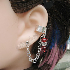 Red and silver reverse cartilage chain ear cuff
