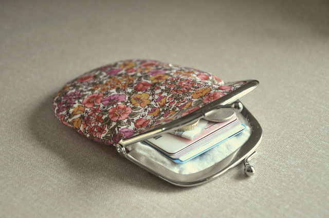 Floral clasp purse test
