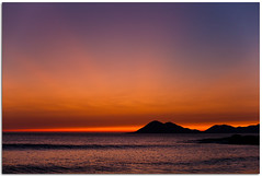Sunset's tones (Antonio Carrillo (Ancalop)) Tags: sunset sea sky espaa mountain beach clouds canon atardecer mar spain europa europe do mark son playa explore galicia porto ii cielo nubes 5d lopez antonio carrillo montaas ancalop