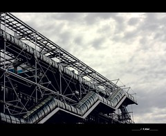 Seen in the city (Yolanda Miel) Tags: paris france metal museum architecture canon europe niceshot muse exposition centrepompidou leshalles chtelet eos450d mygearandme yolandamiel yofromparis
