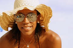 Ahhhhh la Playa (Josy Thomas) Tags: hat sunglases sombrero lentessol