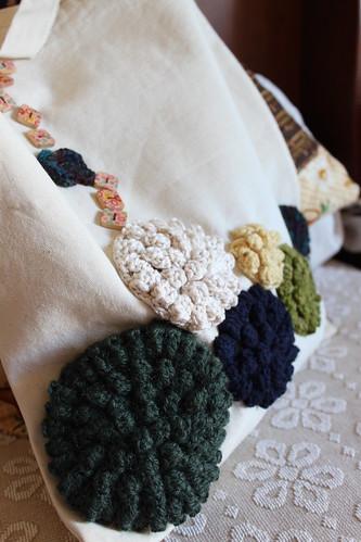 "Saco com rosetas de crochet ""GARDEN"""
