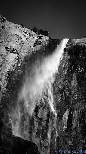 yosemite falls by monqey