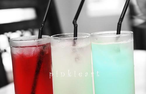 03-09Jul2011: Red White Blue by b0y_m3nth4