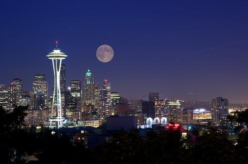 フリー写真素材, 建築・建造物, 都市・街・村, 夜景, 月, アメリカ合衆国,