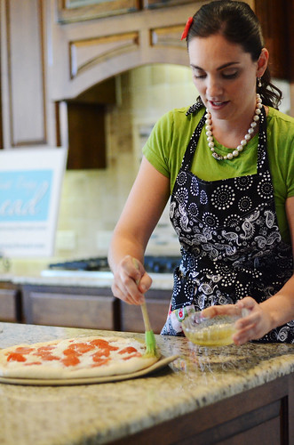 Homemade-stuffed-crust-pizza-seasoning