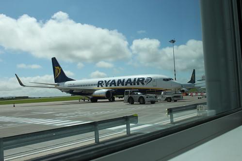 Ryanair 737 EI-DWL@ Bristol Airport