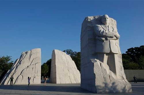1Martin-Luther-King-Memorial-panorama.jpg