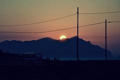 C ancora un orizzonte l con te? (Joeyful~) Tags: sunset people island tramonto sicily sicilia isola favignana orizzonte