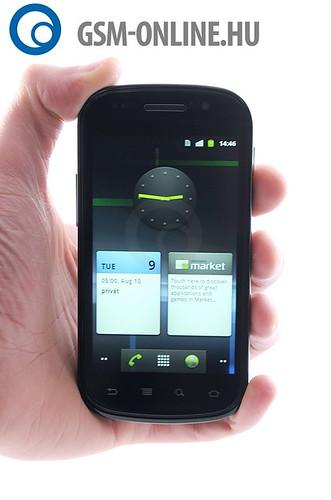 Google Nexus S kézben