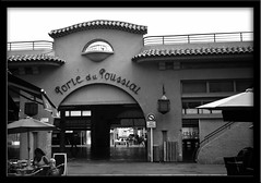Porte du Poussiat - March Forville - Cannes (France) (waex99) Tags: france film kodak cannes tmax july jr du epson porte march antibes 100asa autographic 2011 v500 forville poussiat