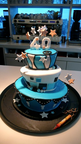 Mad Hatter for a Man by CAKE Amsterdam - Cakes by ZOBOT