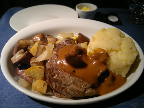 Pan-Seared Filet Mignon with Chanterelle Sauce