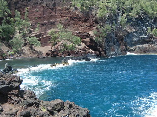 The first view coming into the Red Sand Beach