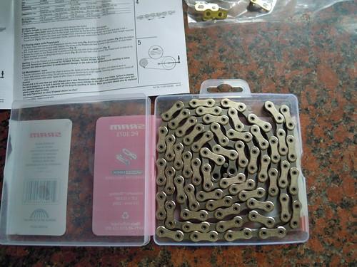 New chain in box