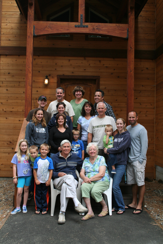 There we are... Everyone (minus Kayla and Beau, they had to leave early). What a wonderful weekend with family, celebrating Grandpa's 80th.