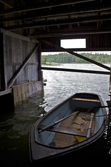 The Boat House (screamingswifts) Tags: raw uppland batar vaxter sjoboden angskar angskar