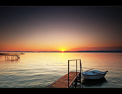 Ladik a naplementben (Botond Horvth) Tags: sunset summer sky lake nature water clouds stairs landscape boat nikon hungary famous sigma filter hegy naplemente 1020mm szn magyar balaton g felh t tenger ladik magyarorszg cokin 2011 d90 nyr botond horvth vz vztkr lpcs balatonszrsz