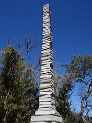 . (giljacobus) Tags: os e livro livros morro reuter monumentoaolivro morroreutereoslivros