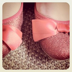 Glitter shoes Alice Disse (Arê Rodrigues) Tags: glitter square shoes alice squareformat earlybird alicedisse disse iphoneography instagramapp uploaded:by=instagram