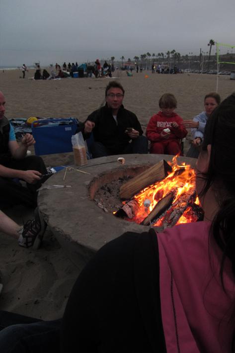 081511_BeachBonfire06