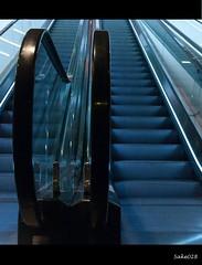 E s C a L a T o R (sake028) Tags: germany deutschland nikon hessen escalator treppe blau frankfurtammain rolltreppe ffm d300 myzeil