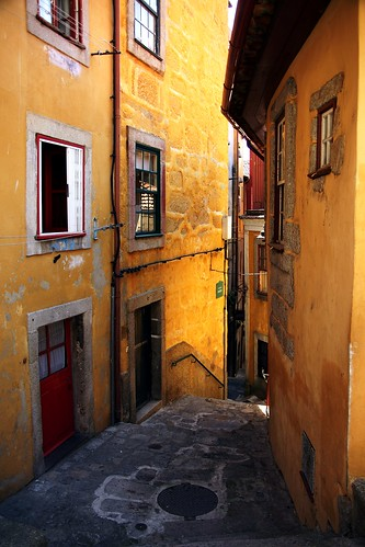 velho Porto... - old Oporto... by @uroraboreal - sory too busy...I'll be back...