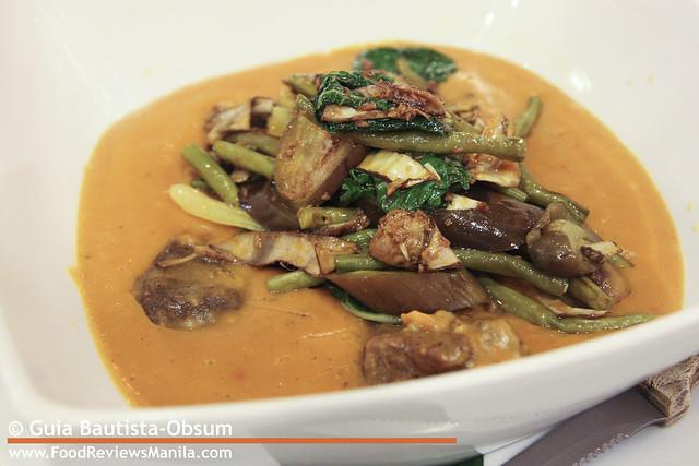 Classic Cuisine Kare-Kareng Baka