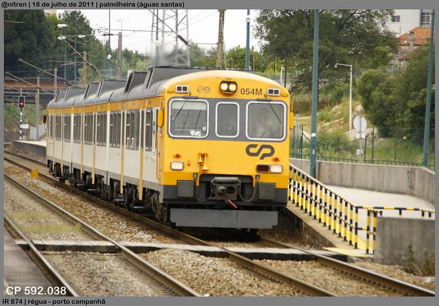 Série 592 (ex-RENFE) - Página 2 6083398289_fc9c5475d1_z_d