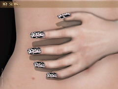 je suis...naive v.2 Nailpolish Cow (je suis... Julia Merosi) Tags: diamonds necklace nail earring jewelry diamond nails owl accessories earrings necklaces nailart gemstones gemstone naildesign jesuis jewelryaccessories leahmccullough juliamerosi