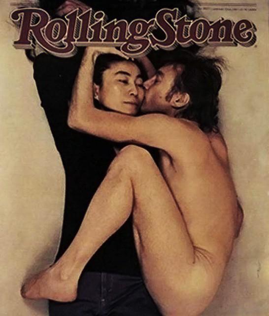rolling-stone-john-lennon-and-yoko-Annie-Leibovitz