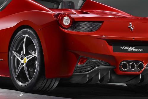 Ferrari-458-Spider-9
