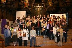 Visitantes de Bujalance, entre ellos el Alcalde y el vicepresidente Rafael Cañete, visitando la iglesia