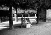 Toute une vie sur un banc (Danaea) Tags: france social iledefrance banc saintgermainenlaye bagages yvelines sansdomicile danaea