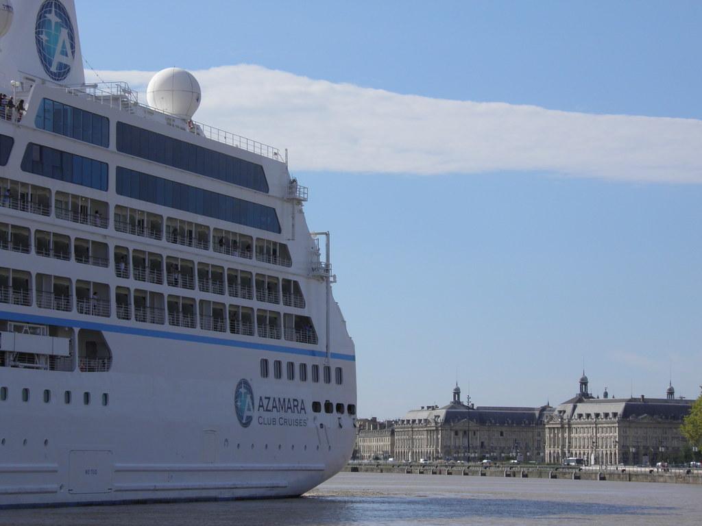 Azamara Club Cruises in Gothic-Baroque landscape - P9020058