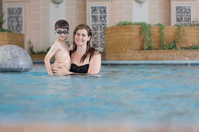 Self-timer: Fun in the pool with Mom