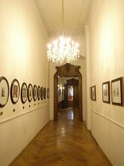 シューベルトやブルックナーが歩いたという王宮内の廊下