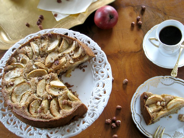 Hazelnut Apple Sheet Cake